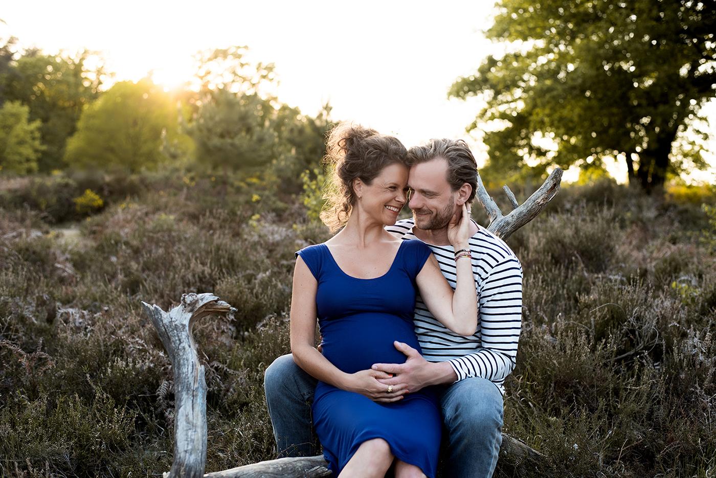 Als Fotografin biete ich Babybauchshootings als auch Paarshootings oder Familienshootings in Koeln und NRW an.