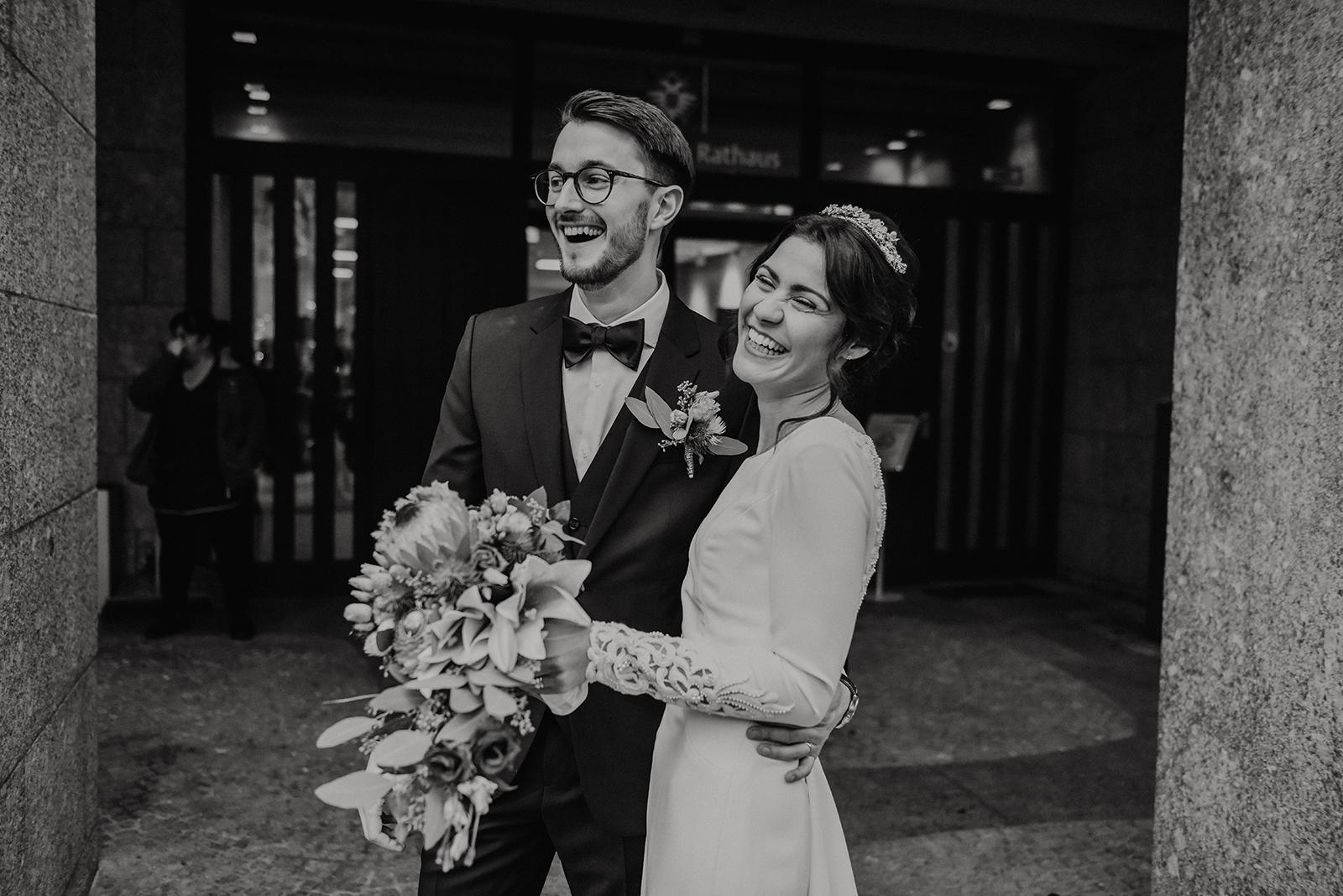 Jasmin und Axel bei ihrer standesamtlichen Trauung in Koeln
