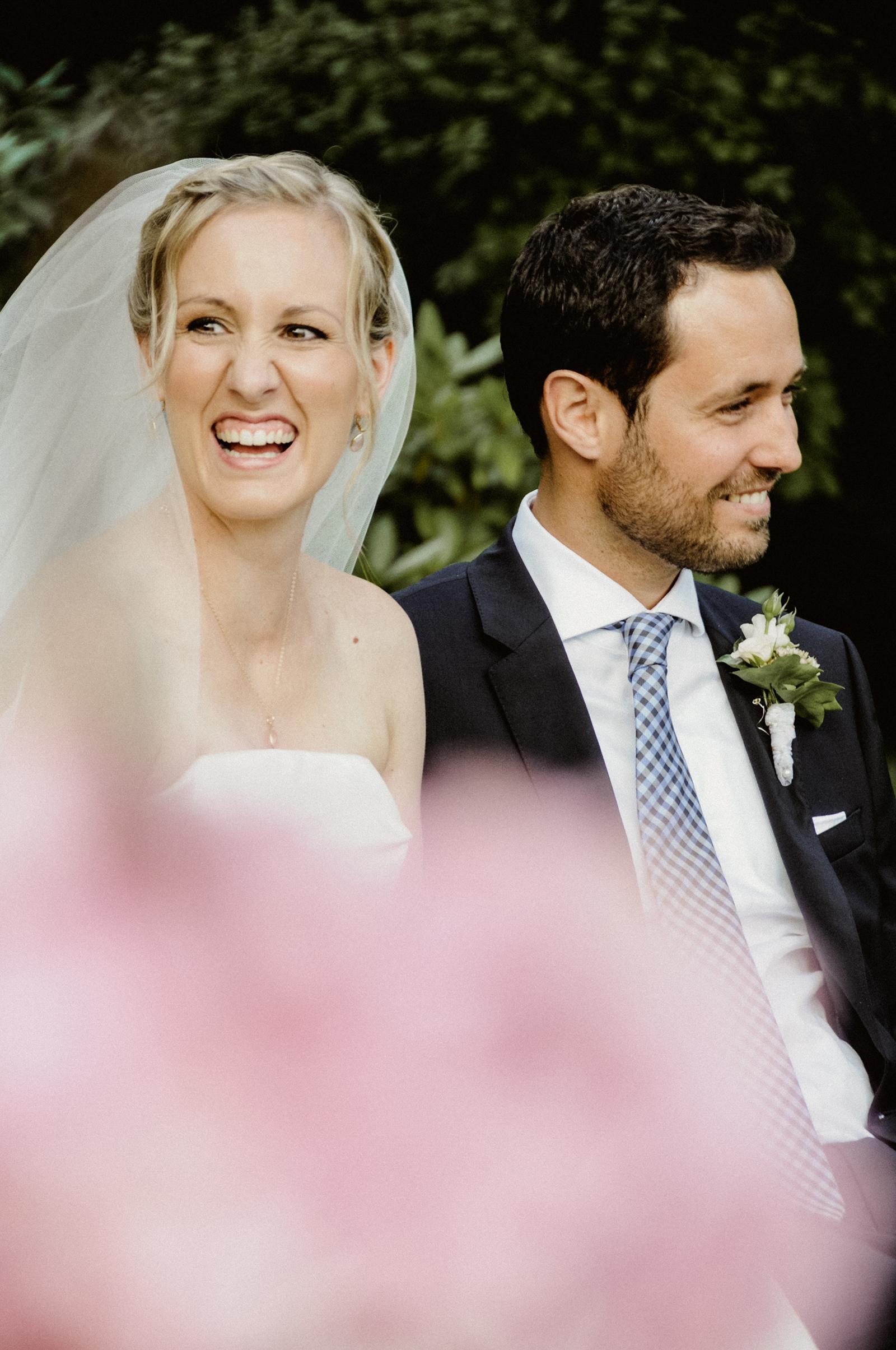 Authentische und ungestellte Momente am Hochzeitsabend